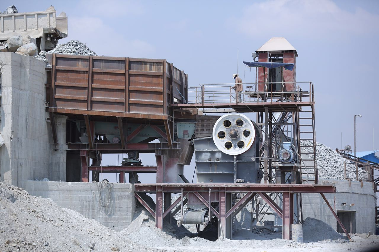 limestone crushing plant 250 t/h in Laos